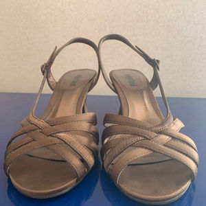 ⭐️BOGO⭐️ heels by Unlisted - size 7 1/2 bronze